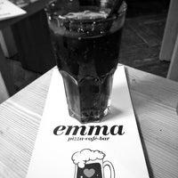 12/13/2015 tarihinde Linus D.ziyaretçi tarafından emma Café-Bar'de çekilen fotoğraf