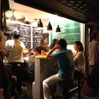 Foto tirada no(a) Z Deli Sandwich Shop por Ricardo E. em 10/27/2012