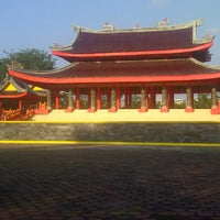 Photo taken at Sam Poo Kong Temple (Zheng He Temple) by Unggul P. on 6/23/2013