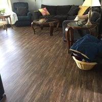 Снимок сделан в Lumber Liquidators пользователем Lumber L. 12/9/2015