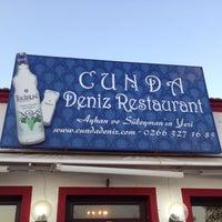 Foto scattata a Cunda Deniz Restaurant da Fatoş D. il 9/8/2013