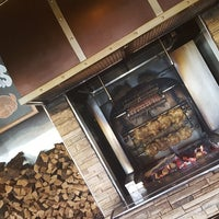 Photo taken at Grizzly's Wood-Fired Grill & Steaks by Stephanie on 8/24/2017