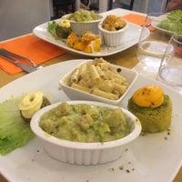 รูปภาพถ่ายที่ La Raccolta Ristorante Vegetariano Biologico โดย Gnoe @. เมื่อ 5/23/2017