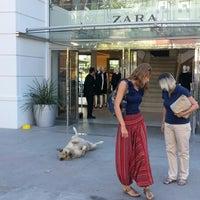 9/20/2012 tarihinde Midori K.ziyaretçi tarafından Zara'de çekilen fotoğraf