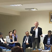 Photo taken at Cumhuriyet Halk Partisi İzmir İl Başkanlığı by Sevda E. on 6/13/2016