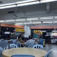 Photo taken at Restoran Double Seven (孖漆茶餐室) by Hooi Hooi L. on 4/21/2017