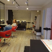 Photo taken at makas coiffeur 2 by Akif S. on 4/8/2018