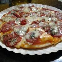 Photo taken at Pizzas Finicrok by Reinaldo A. on 4/21/2013