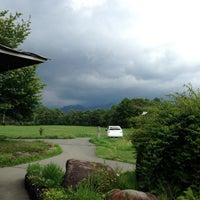 Foto scattata a 八ヶ岳中央農業実践大学 八ヶ岳農場 直売所 da akira801 il 7/22/2013