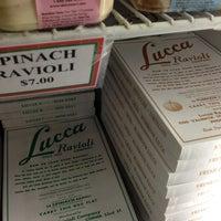 Foto scattata a Lucca Ravioli Company da Kevin-John B. il 12/24/2012