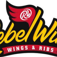 Foto tirada no(a) Rebel Wings por Mario A. em 1/22/2018