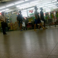 Photo taken at 7-Eleven by Mickzknell W. on 5/14/2013