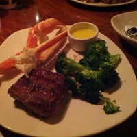 Photo taken at Outback Steakhouse by Tsali W. on 11/30/2013