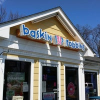 Photo taken at Baskin-Robbins by Tsali W. on 4/12/2014