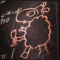 Foto tirada no(a) Champanharia Ovelha Negra por Lu M. em 5/22/2013
