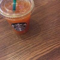 Photo taken at Starbucks (星巴克) by Lois w. on 11/8/2014