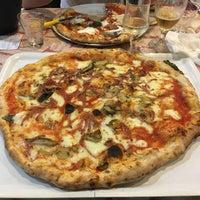 Photo taken at Pizzeria Flaminio by Ludovic P. on 10/26/2016