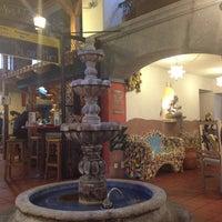 Photo prise au Hacienda Hôtel & Restaurant-Bar par Eden M. le1/11/2013