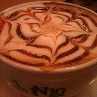 2/14/2013 tarihinde Semra y.ziyaretçi tarafından N10 Cafe'de çekilen fotoğraf