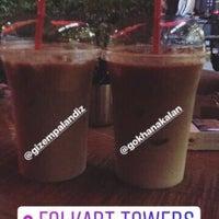 9/17/2017 tarihinde Gökhan A.ziyaretçi tarafından DROPS Cafe'de çekilen fotoğraf