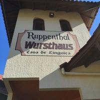 Foto tirada no(a) Ruppenthal Wursthaus - Casa de Lingüiça por Ramon D. em 6/19/2016