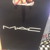 Photo taken at MAC Cosmetics by Sunitha on 7/7/2016