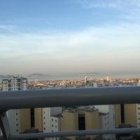 Photo taken at Nish Adalar Balkon by Gurbet Ç. on 9/19/2016