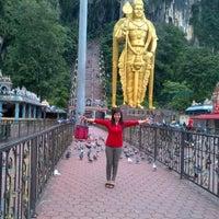 Photo taken at Sri Subramaniar Temple Batu Caves by Nury C. on 11/8/2012