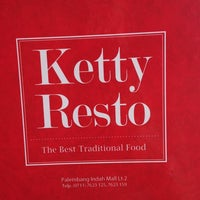 Photo taken at Ketty Resto by Yani Yudha W. on 3/29/2013