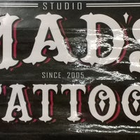 Photo taken at Mads Tattoo & Piercing by Alcy L. on 6/11/2016