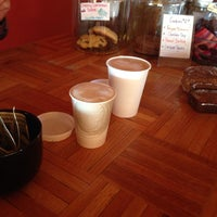 Photo taken at Latte Da Coffee by Vickie C. on 10/25/2013