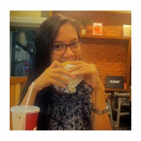 Photo taken at Burger King by Cha Z. on 5/12/2013