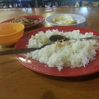 Photo taken at Restoran kawanku bangsar by Mohd S. on 4/29/2013