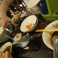 Photo taken at Rue Thong Boat Noodle by Ying S. on 3/7/2017
