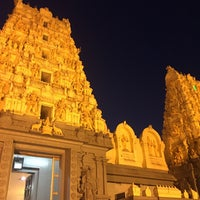 Photo taken at Shri Shiva Vishnu Temple by Kok Ming N. on 10/6/2016