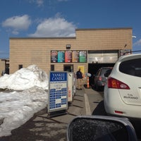Photo taken at Minit Car Wash by Amory Nora A. on 3/9/2015