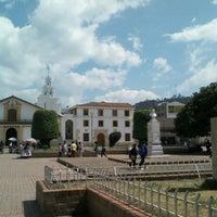 Photo taken at Parque Julio Florez by Kike R. on 2/3/2014