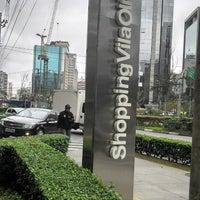 Foto tirada no(a) Shopping Vila Olímpia por Marcia C. em 7/24/2013
