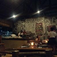 Снимок сделан в Kermit Restaurant пользователем Lou C. 5/13/2017