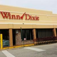 Photo taken at Winn-Dixie by Bobi F. on 9/24/2014