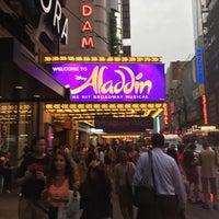 Photo prise au Aladdin @ New Amsterdam Theatre par 桑原 冴. le8/16/2017