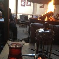 1/9/2013 tarihinde Guvenc O.ziyaretçi tarafından Cafe Cafe'de çekilen fotoğraf