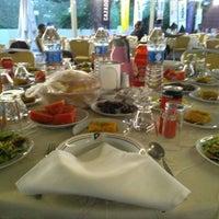 Foto tomada en Ağaçlı Restaurant por Yalçın el 6/1/2018