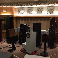 Photo taken at Dynamic Audio 5555 by PCL86 M. on 2/15/2016