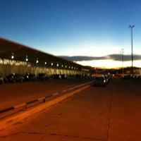 Photo taken at Aeroporto Internacional de Manaus / Eduardo Gomes (MAO) by Neto on 2/13/2013