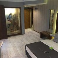 Das Foto wurde bei Maison Vourla Hotel von Gökhan K. am 4/4/2017 aufgenommen