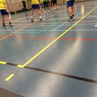 Photo taken at Gemeentelijke Sporthal by Liesbet B. on 3/18/2016