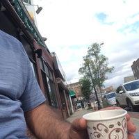 Photo taken at Dunkin' Donuts by çağdaş f. on 8/5/2017