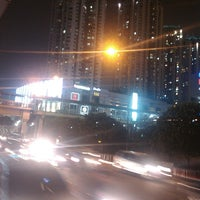 Photo taken at Halte TransJakarta S Parman Podomoro City by Hami F. on 10/4/2013