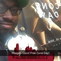Photo taken at Haagen Dazs Philly by Tristan J. on 5/10/2016